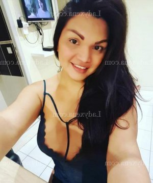 Jolie ladyxena massage
